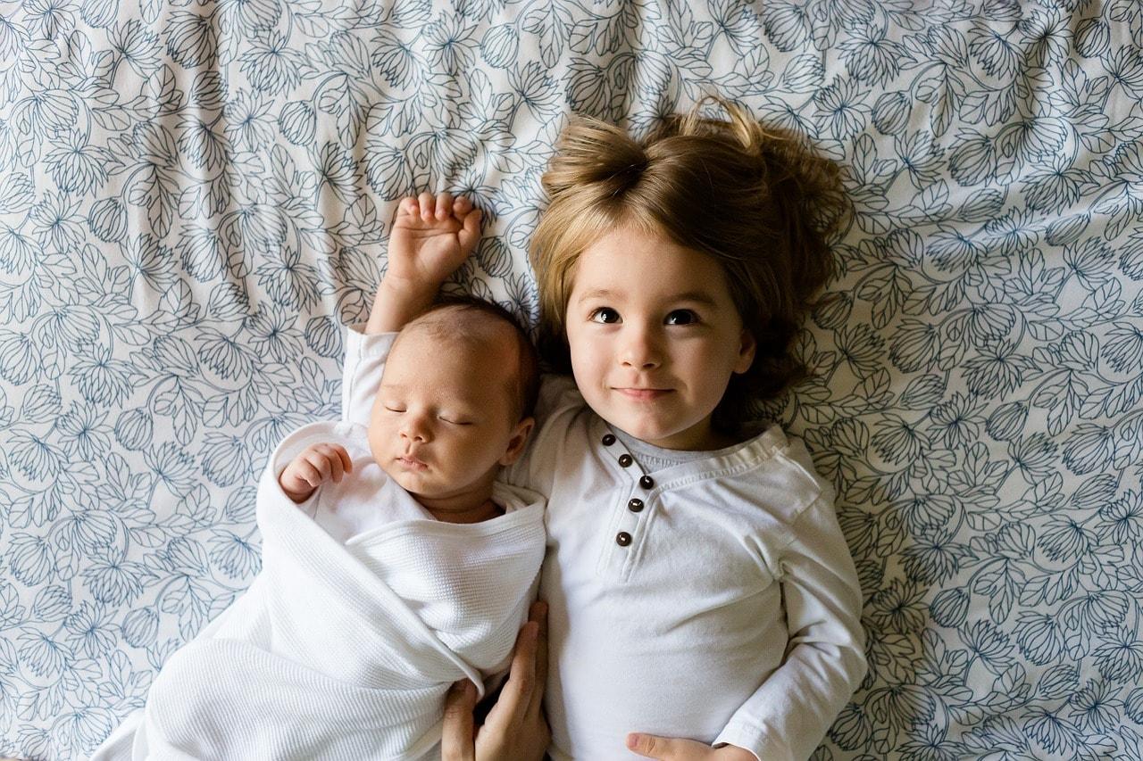 Gebrüder Baby jung und jünger